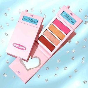 🌼 Clueless Totally Clueless Blush Palette